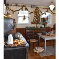 Southold Historical Museum's Annual Candlelight Tour & Tree Lighting