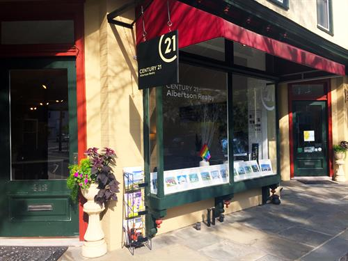 Greenport Office - 413 Main St