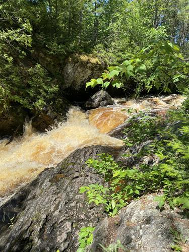 15 marked waterfalls (Long Slide shown here)