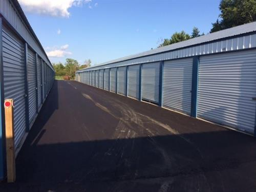 Self Storage units to meet your needs on paved roads