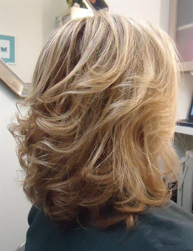 http://dmazsalon.com/color-haircut-makeover-for-over-60/
