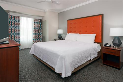 2 Bedroom Suite with 1 King Bed