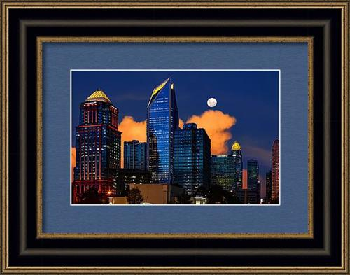 Gallery Image moon-over-uptown-charlotte-snaphappy-photos.jpg
