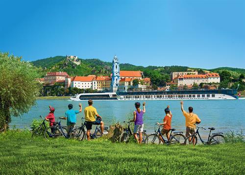 Gallery Image 03_Bike_Ride_Through_Europe.jpg