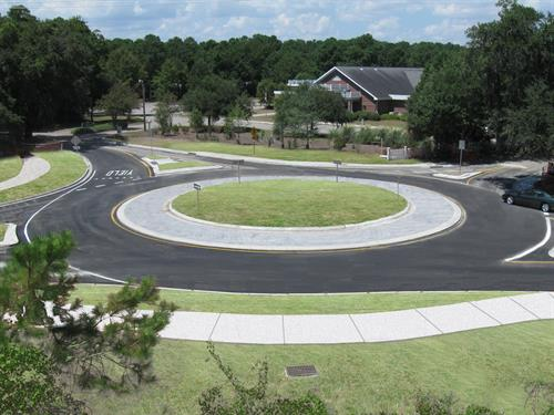 Gallery Image Hospital_Drive-MatthisFerry_Roundabout.jpg