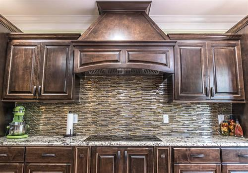 We work with Granite, Quartz and also Marble.