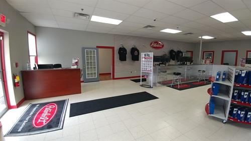 AMG Peterbilt of Zanesville Showroom
