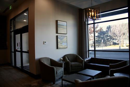 Public spaces are perfect for meeting with clients, reading a good book or enjoying a beverage.