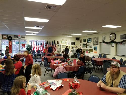 Gallery Image 2019_Christmas_Party.jpg