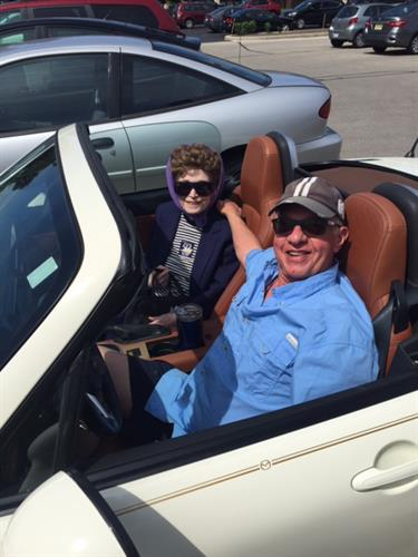 Gallery Image Joe_and_Marilyn_take_his_convertible_on_shopping_ride.JPG