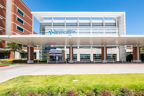 Baylor Scott & White Medical Center - Waxahachie main entrance