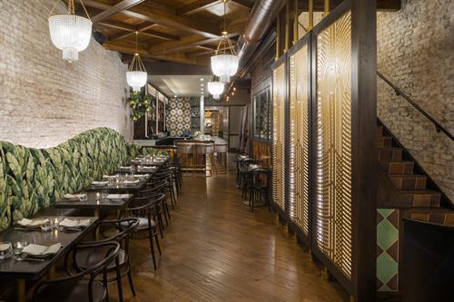 Ronero/Chicago. Custom ceiling and panels. Full renovation