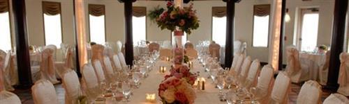 Gallery Image HB-slide-WeddingTable.jpg