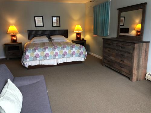 Deluxe Standard Guest Rooms with King Bed and Pullout Couch