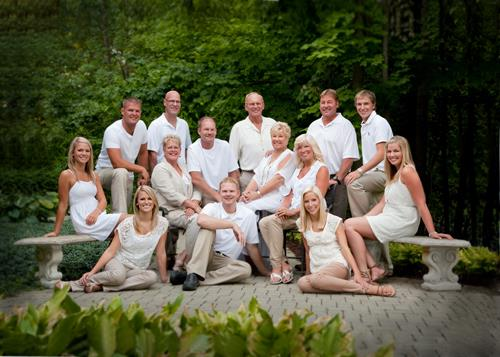 Trust your extended family portraits to us, we are experts at this!