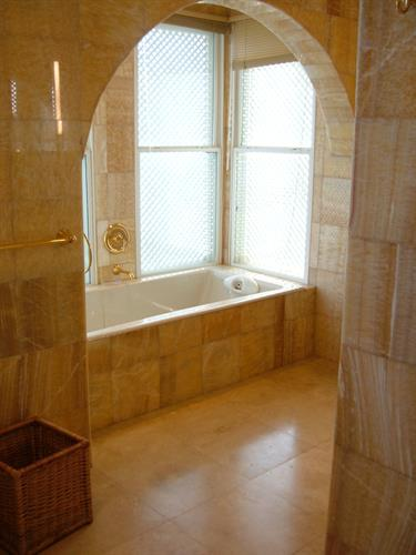Windward marble owners' bath