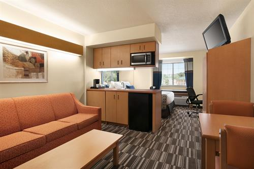 SINGLE SUITE ROOM