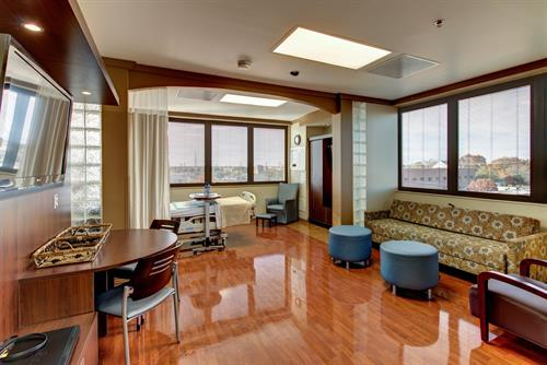 Medical City Lewisville Women's Luxury Suite