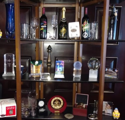 Corporate Awards - Incentive Gifts, Clocks, 3D Crystal, Full Color Crystal, Engraved Wine Bottles and Barware