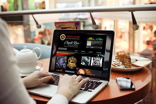 Gallery Image Computer_16.jpg