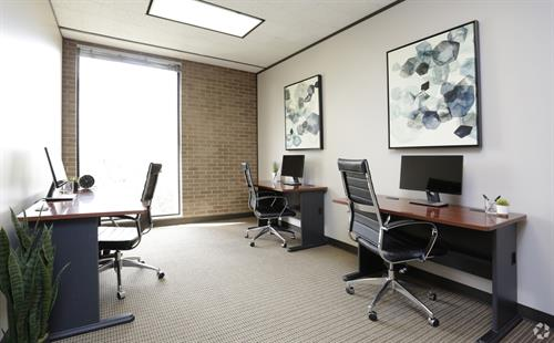 Gallery Image 3_Person_office.jpg
