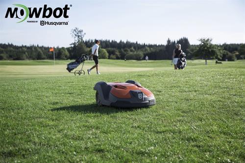 Gallery Image GolfCourse-OrangeBot.jpg