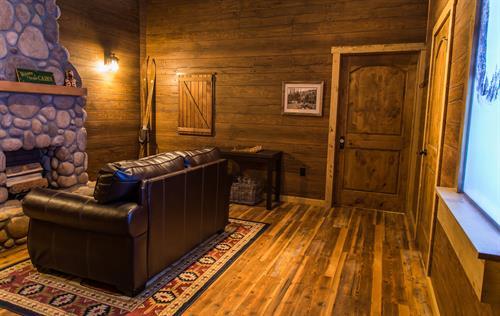 Inside Boreas' Revenge - An Avalanche Survival Cabin