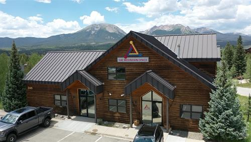 A quality Co-working environment with amazing mountain views.
