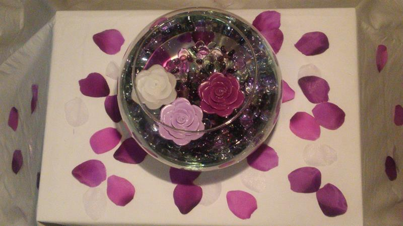 Floating Candles wedding centerpiece in purple & lavender