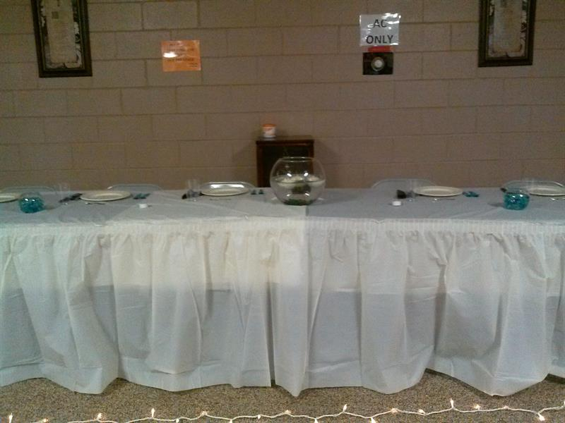 Basic skirted head table