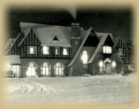 Gallery Image Building_in_Snow_1930s.jpg
