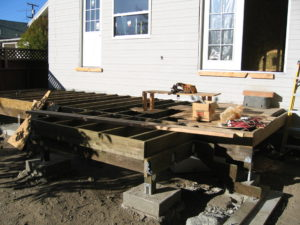 Den's New Rear Deck, Piers, & Framing