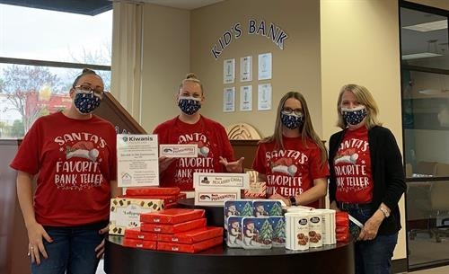 December 2020 - Folsom team helping the Folsom Lake Kiwanis Club to sell See's Candy