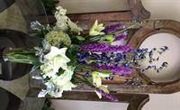 Tall centerpiece design great for any gift giving, good for buffet tables, or event centerpieces