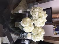 We specialize in event flowers, whether weddings, family reunions, or corporate