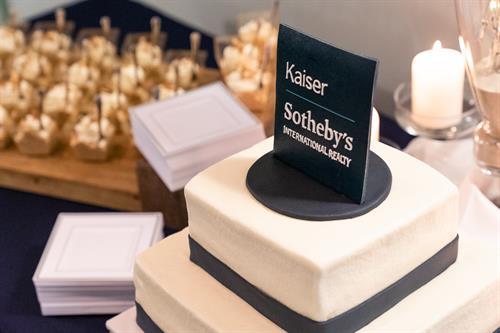 Gallery Image Kaiser_Sotheby's_Awards_Dinner-6(1).jpg