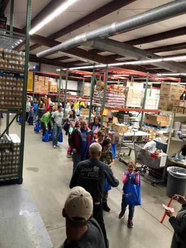 Gallery Image Thanksgiving_packing.jpg