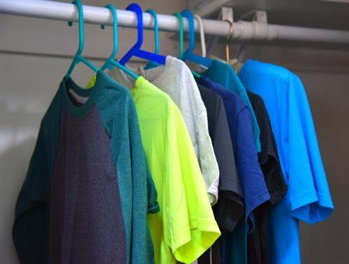 Gallery Image clothes_on_hangers.jpg
