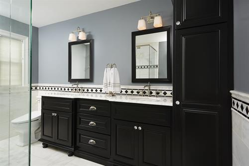 Classic master bath in dark shades