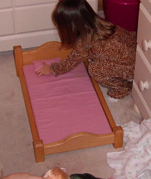 Standard doll bed