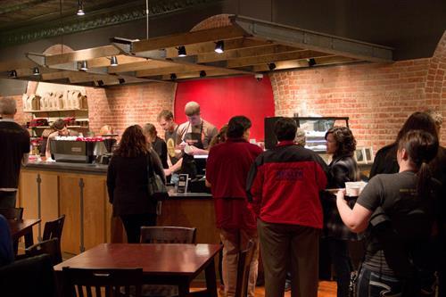 Gallery Image crowd_shot.JPG