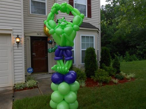Yard Balloon Decor