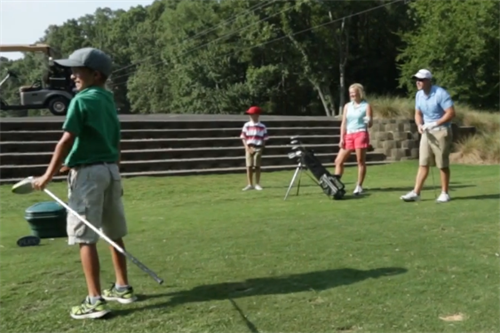 Gallery Image FAMILY_GOLF.PNG