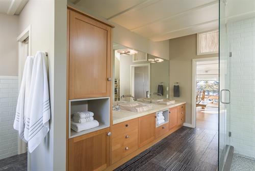 Gallery Image Bathroom_Vanity.jpg