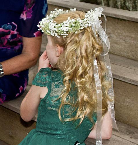 Gallery Image Junior_bridesmaid_headpiece.png