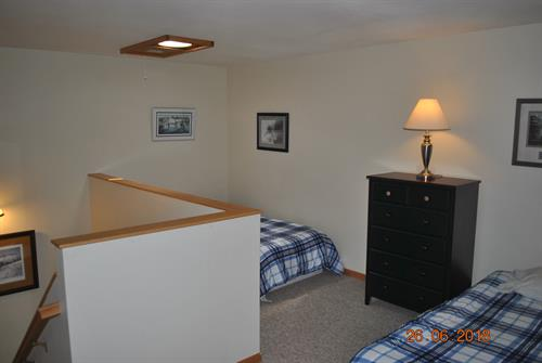 2nd Level of condo has (2) Twin Beds
