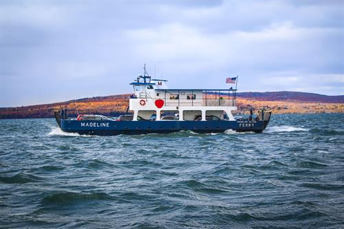 Gallery Image fall_ferry_2.jpg