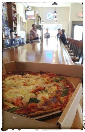 Gallery Image PIZZA_ON_THE_BAR.jpg
