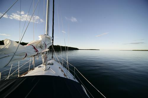 Gallery Image Apostle-Islands-Sailboat.jpg