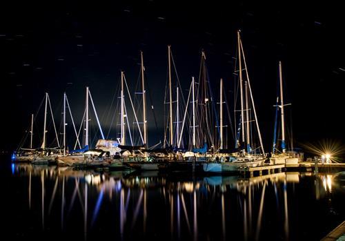Gallery Image Pikes_Bay_Marina_at_night.jpg